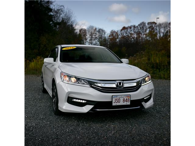 2016 Honda Accord EX-L (Stk: U4953A) in Woodstock - Image 2 of 13