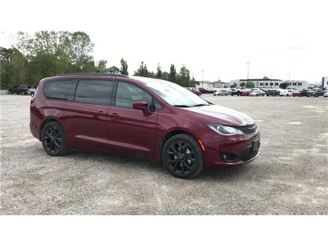 2019 Chrysler Pacifica Touring-L (Stk: 19323) in Windsor - Image 2 of 11