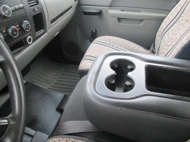 2010 Chevrolet Silverado 2500HD WT (Stk: bp451) in Saskatoon - Image 13 of 18
