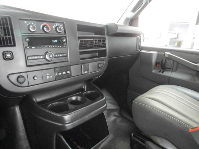2018 Chevrolet Express 2500 Work Van (Stk: 9-6001-0) in Burnaby - Image 9 of 22