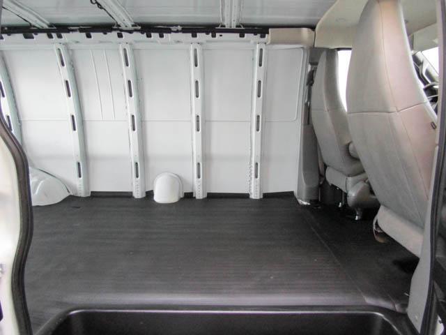 2018 Chevrolet Express 2500 Work Van (Stk: 9-6001-0) in Burnaby - Image 17 of 22