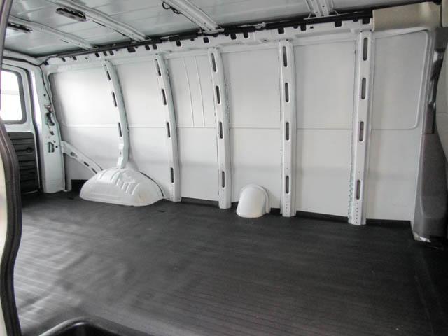 2018 Chevrolet Express 2500 Work Van (Stk: 9-6001-0) in Burnaby - Image 16 of 22