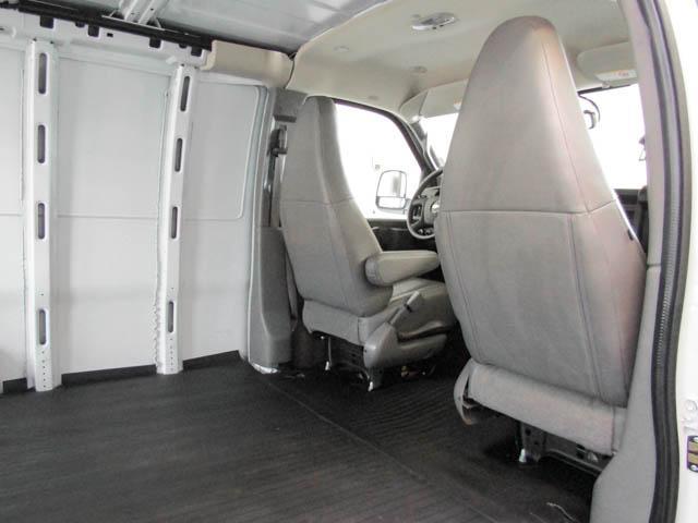 2018 Chevrolet Express 2500 Work Van (Stk: 9-6001-0) in Burnaby - Image 18 of 22