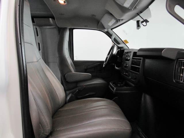 2018 Chevrolet Express 2500 Work Van (Stk: 9-6002-0) in Burnaby - Image 11 of 23
