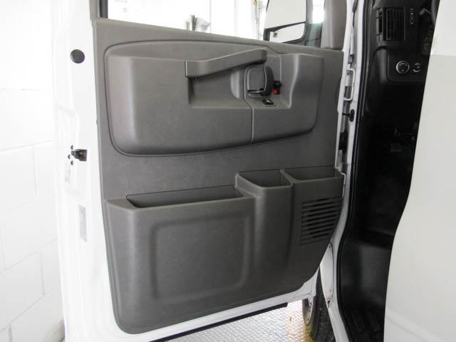 2018 Chevrolet Express 2500 Work Van (Stk: 9-6002-0) in Burnaby - Image 21 of 23