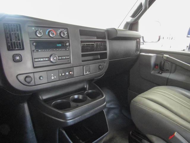 2018 Chevrolet Express 2500 Work Van (Stk: 9-6002-0) in Burnaby - Image 9 of 23