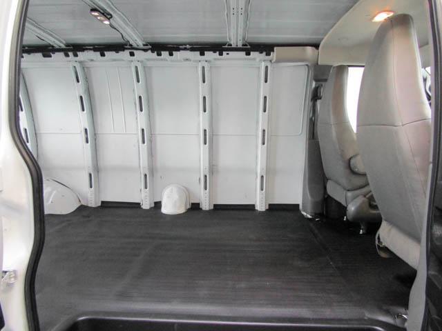 2018 Chevrolet Express 2500 Work Van (Stk: 9-6002-0) in Burnaby - Image 18 of 23