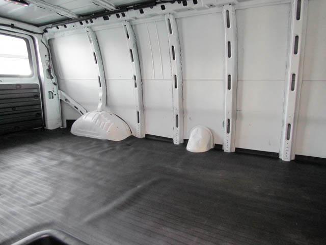 2018 Chevrolet Express 2500 Work Van (Stk: 9-6002-0) in Burnaby - Image 17 of 23