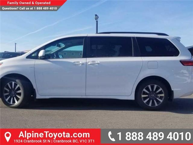 2018 Toyota Sienna LE 7-Passenger (Stk: S200965) in Cranbrook - Image 2 of 15