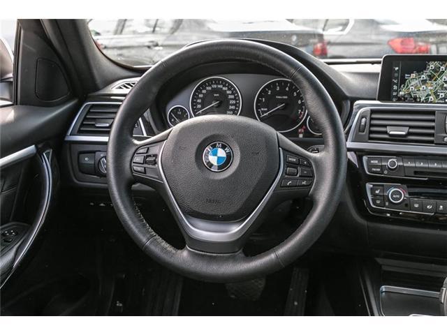 2017 BMW 330i xDrive Sedan (8D97) (Stk: U5149) in Mississauga - Image 6 of 21