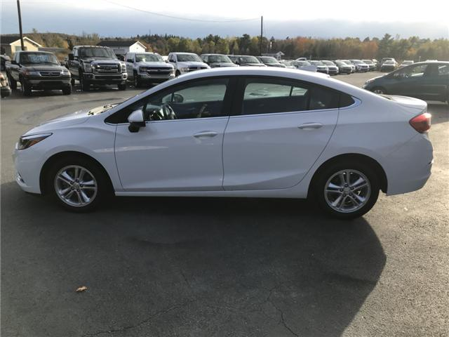 2017 Chevrolet Cruze LT Auto (Stk: 10157) in Lower Sackville - Image 2 of 18