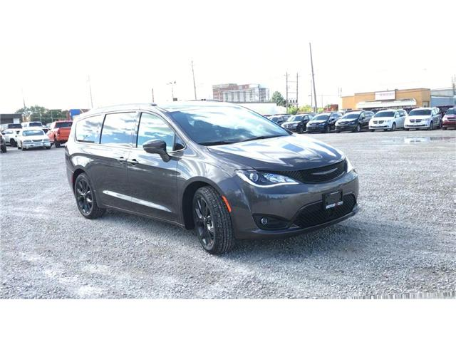 2019 Chrysler Pacifica Limited (Stk: 19327) in Windsor - Image 2 of 11