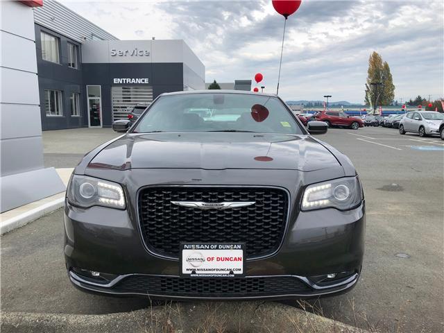2017 Chrysler 300 S (Stk: P0004) in Duncan - Image 2 of 8