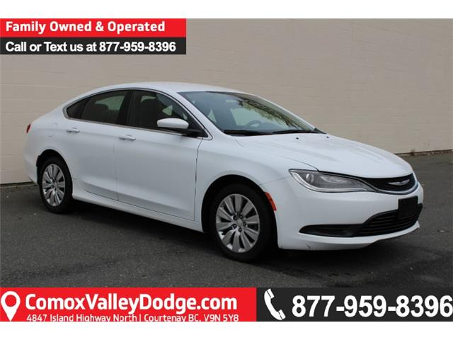 2015 Chrysler 200 LX (Stk: G517682A) in Courtenay - Image 1 of 26