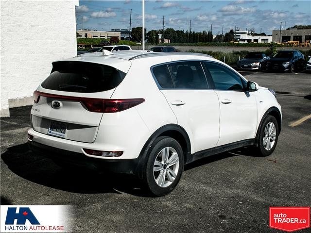 2017 Kia Sportage LX (Stk: 310122) in Burlington - Image 4 of 15