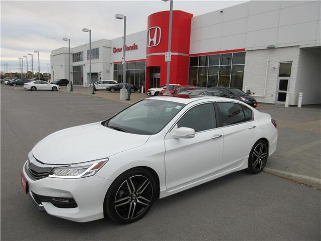 2017 Honda Accord Touring (Stk: 26024L) in Ottawa - Image 1 of 10