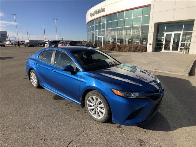 2018 Toyota Camry SE Upgrade Package (Stk: 284253) in Calgary - Image 2 of 15