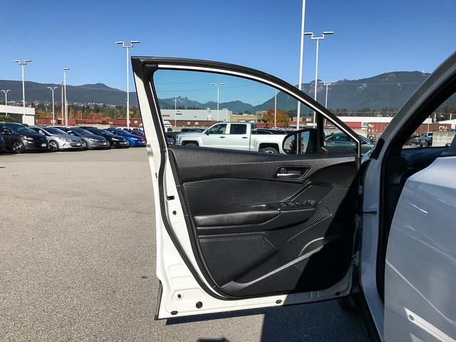2018 Toyota C-HR XLE (Stk: 8K40711) in North Vancouver - Image 23 of 28
