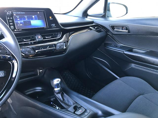 2018 Toyota C-HR XLE (Stk: 8K40711) in North Vancouver - Image 9 of 28