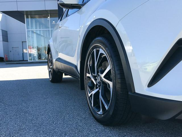 2018 Toyota C-HR XLE (Stk: 8K40711) in North Vancouver - Image 14 of 28