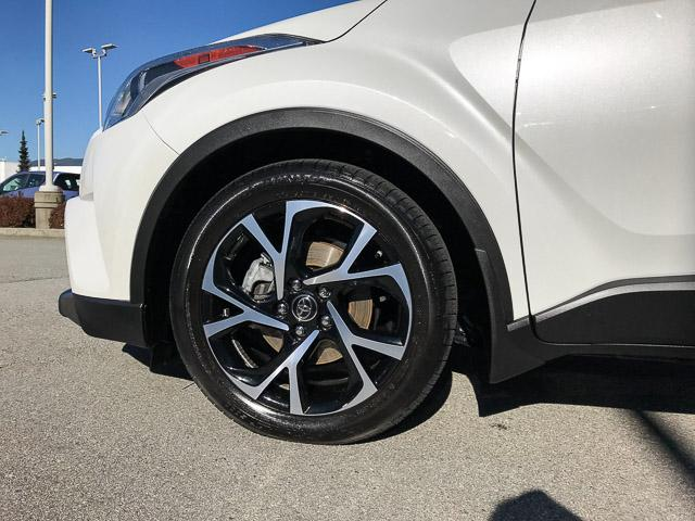 2018 Toyota C-HR XLE (Stk: 8K40711) in North Vancouver - Image 15 of 28