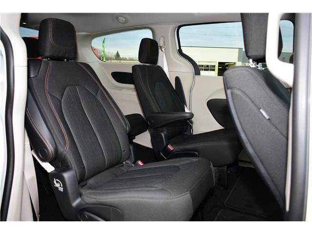 2017 Chrysler Pacifica LX (Stk: P35709) in Saskatoon - Image 19 of 29