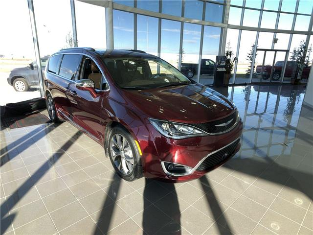 2017 Chrysler Pacifica Limited (Stk: 2801712A) in Calgary - Image 2 of 17