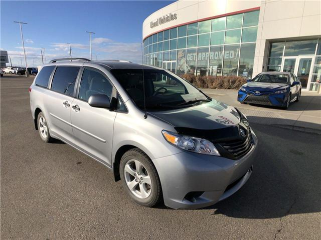 2013 Toyota Sienna  (Stk: 2801487A) in Calgary - Image 2 of 14