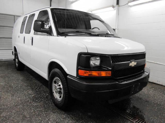 2014 Chevrolet Express 2500 2WT (Stk: P9-56430) in Burnaby - Image 2 of 24