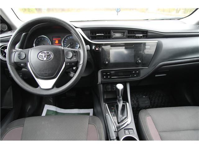2017 Toyota Corolla LE (Stk: 1810503) in Waterloo - Image 11 of 27