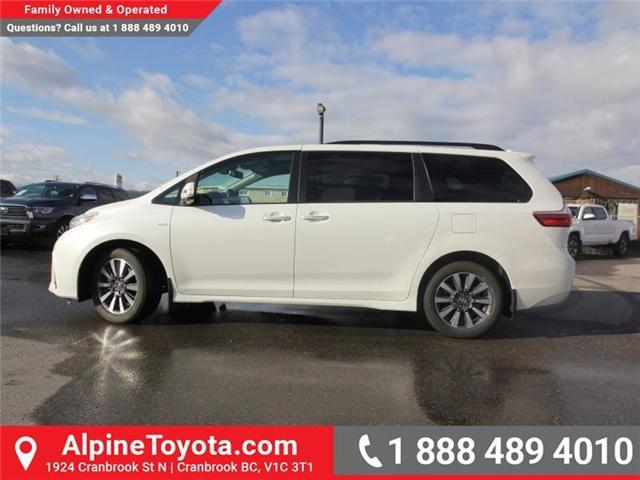2018 Toyota Sienna XLE 7-Passenger (Stk: S201516) in Cranbrook - Image 2 of 20