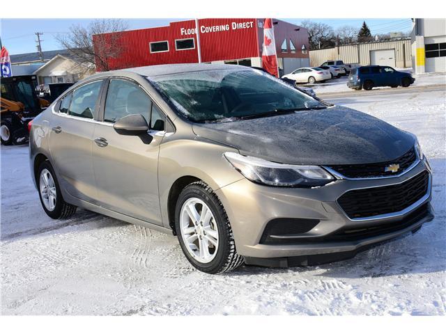 2017 Chevrolet Cruze LT Auto (Stk: P35731) in Saskatoon - Image 4 of 29