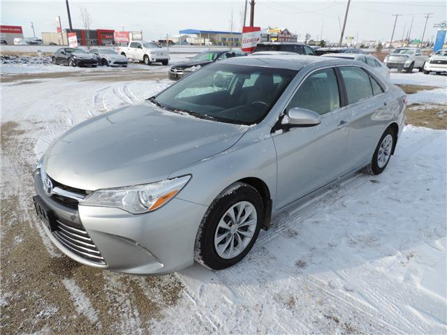 2015 Toyota Camry LE (Stk: 190381) in Brandon - Image 2 of 19