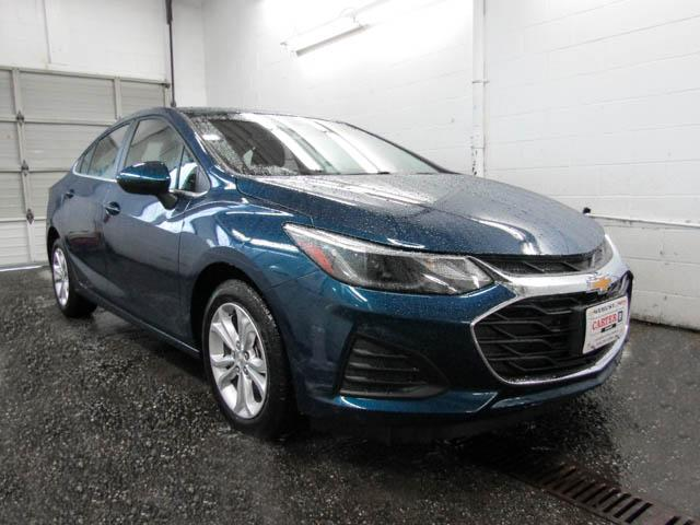 2019 Chevrolet Cruze LT (Stk: J9-43370) in Burnaby - Image 2 of 12