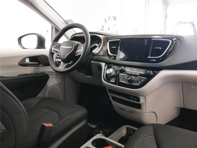 2019 Chrysler Pacifica Touring (Stk: W411270) in Burnaby - Image 4 of 13