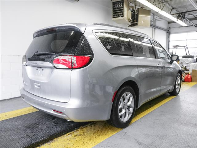 2019 Chrysler Pacifica Touring (Stk: W411270) in Burnaby - Image 3 of 13