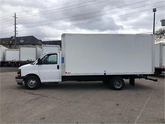 2017 GMC Savana Sold!Used 2017 GMC Savana 16' Cube Van (Stk: STN002112T) in Toronto - Image 3 of 15