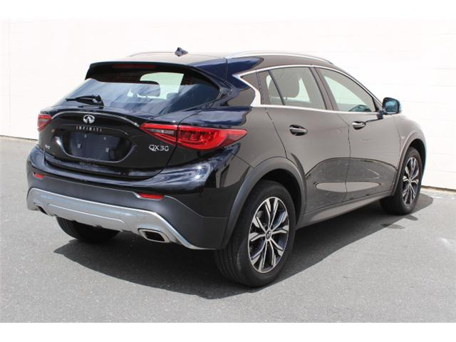 2017 Infiniti QX30 Base (Stk: A015546) in Courtenay - Image 4 of 30