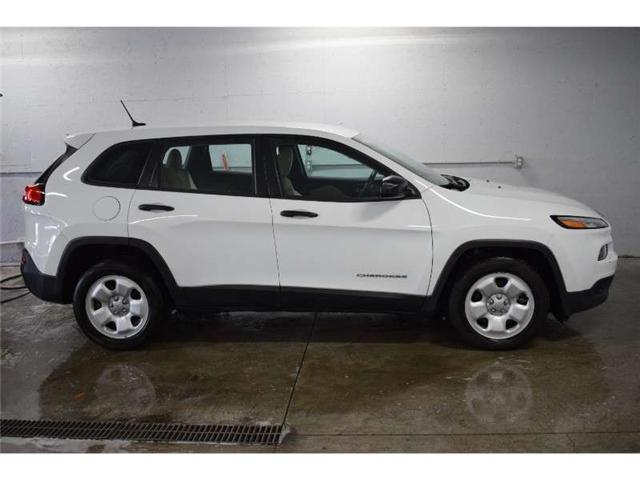 2016 Jeep Cherokee Sport- BACKUP CAM * CRUISE * A/C (Stk: B2245) in Cornwall - Image 1 of 30