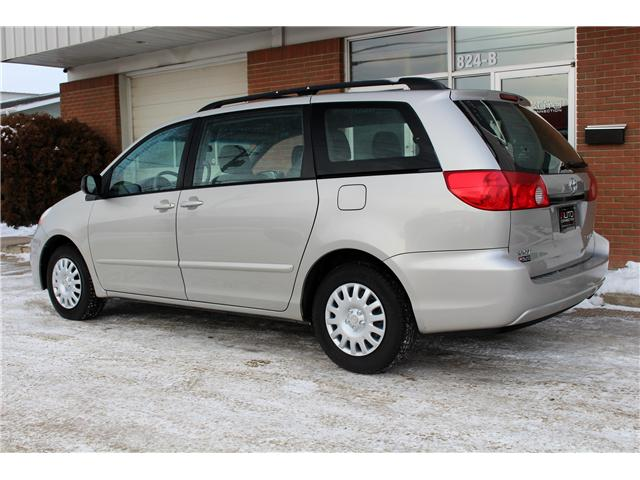 2009 Toyota Sienna CE 7 Passenger (Stk: 234400) in Saskatoon - Image 2 of 17