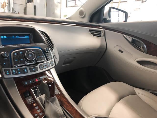2010 Buick LaCrosse CXL (Stk: C8-57601) in Burnaby - Image 9 of 22