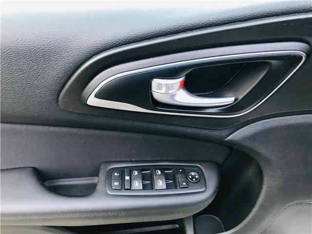 2016 Chrysler 200 LX (Stk: J864094B) in Surrey - Image 26 of 30