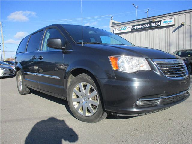 2014 Chrysler Town & Country Touring (Stk: 181850) in Kingston - Image 1 of 12