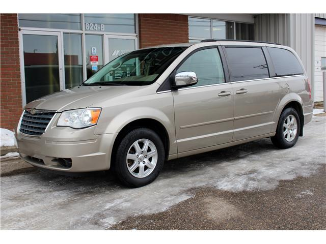 2008 Chrysler Town & Country Touring (Stk: 693205) in Saskatoon - Image 1 of 21