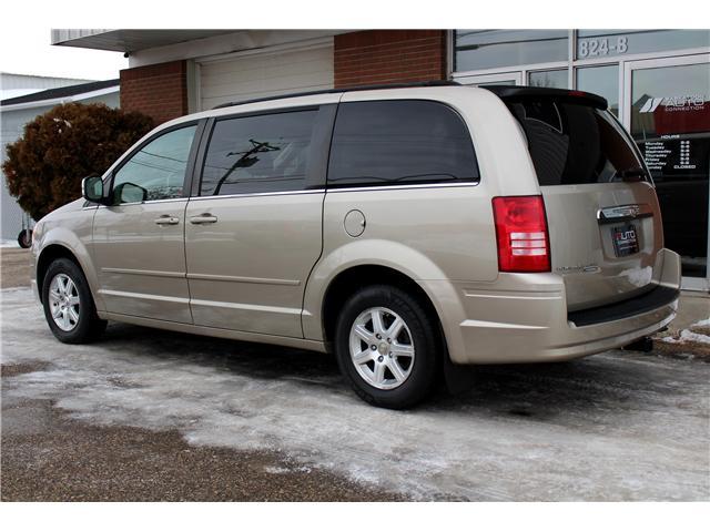 2008 Chrysler Town & Country Touring (Stk: 693205) in Saskatoon - Image 2 of 21