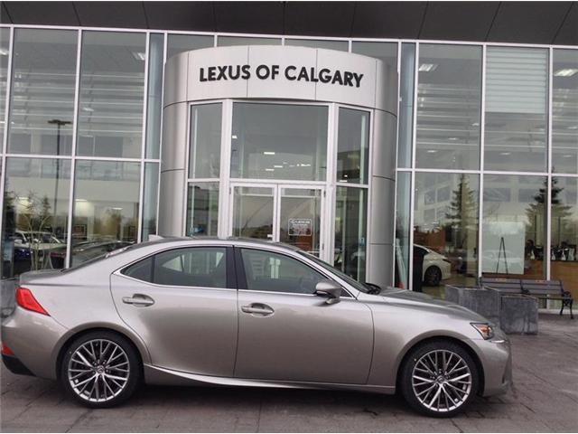 2019 Lexus IS 300 Base (Stk: 190118) in Calgary - Image 1 of 10