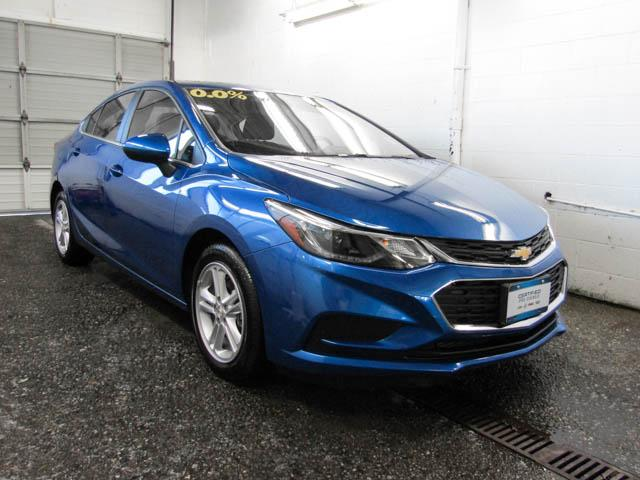 2018 Chevrolet Cruze LT Auto (Stk: P9-56720) in Burnaby - Image 2 of 23