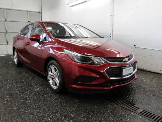 2018 Chevrolet Cruze LT Auto (Stk: P9-56620) in Burnaby - Image 2 of 23