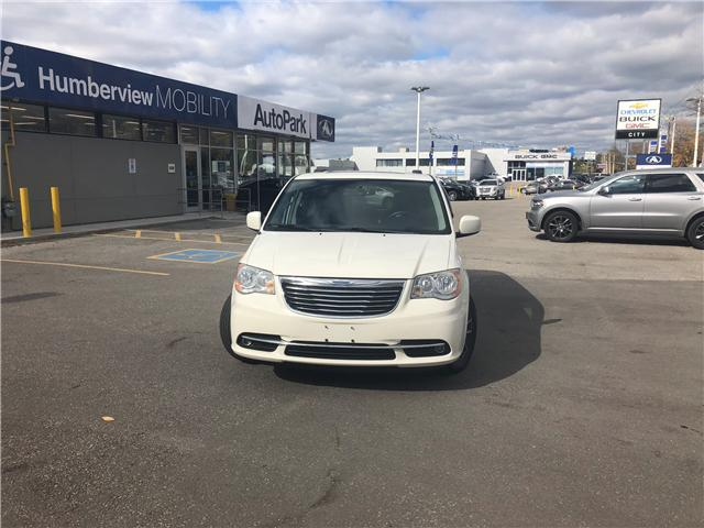 2012 Chrysler Town & Country Touring (Stk: 16-01860SS) in Toronto - Image 1 of 8