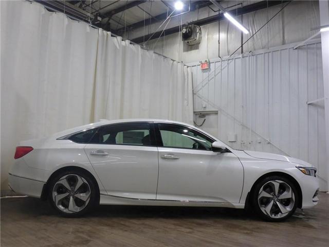 2018 Honda Accord Touring (Stk: 1844018) in Calgary - Image 9 of 19